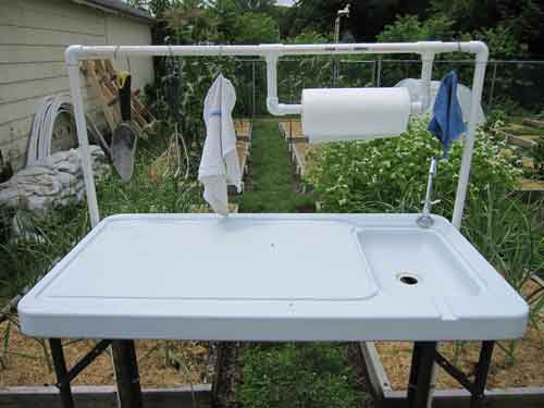 folding garden table with sink